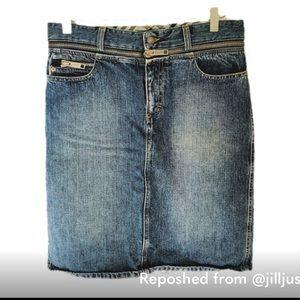 Burberry Blue Denim Faded Zip Jean Skirt 6